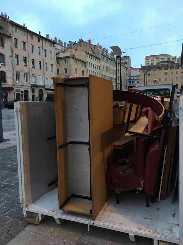 Apr s d m nagement o jeter ses encombrants sur marseille et salon de provence paca recyclage - Transport salon de provence ...
